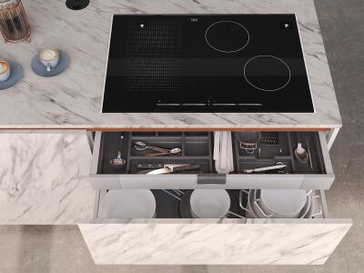 Keuken Inductiekookplaat en voorraadlades