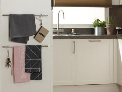 Grepen op de kopse kant gemonteerd voor keukendoeken & -gerei
