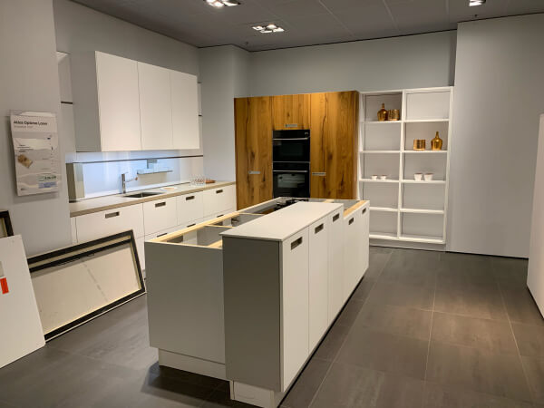 Showroomkeuken Optima kristalwit